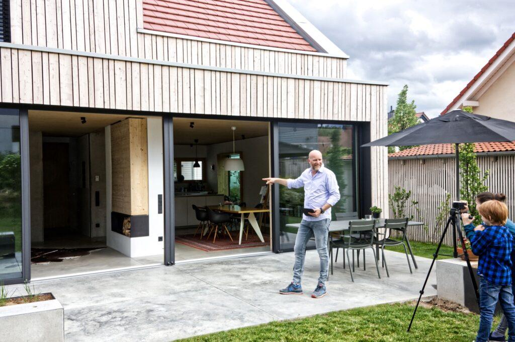 Architekt Marc Betz lädt zum virtuellen Rundgang ein